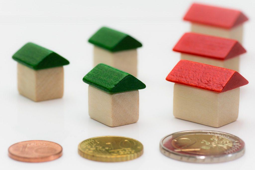 בתים ונכסים